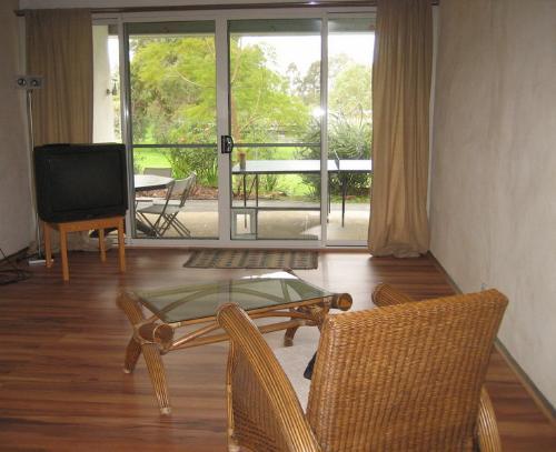 Property For Sale Beckenham 6107 WA 8