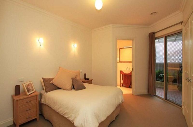 Property For Sale Wodonga 3690 VIC 8