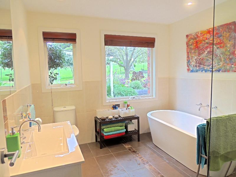 Property For Sold 1229 Table Top Road Table Top NSW 2640 8