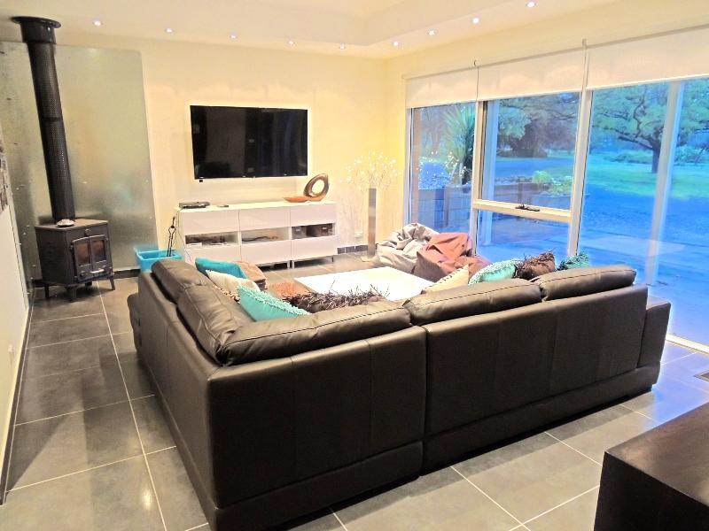Property For Sold 1229 Table Top Road Table Top NSW 2640 14