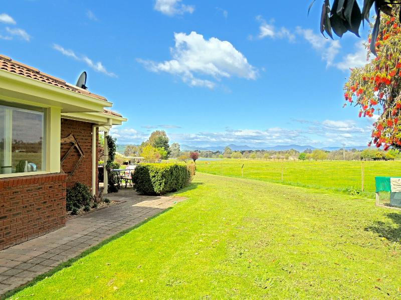 Property For Sold 1229 Table Top Road Table Top NSW 2640 15