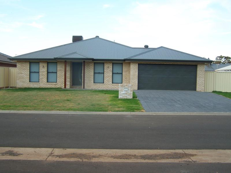 Property For Sold 29 Durum Circuit Dubbo NSW 2830 1