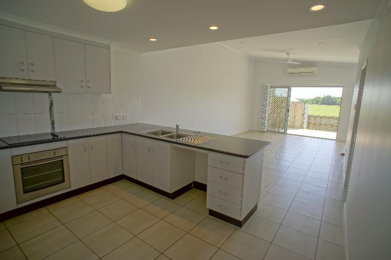 Property For Rent 2/11 Collins Court Eimeo QLD 4740 3
