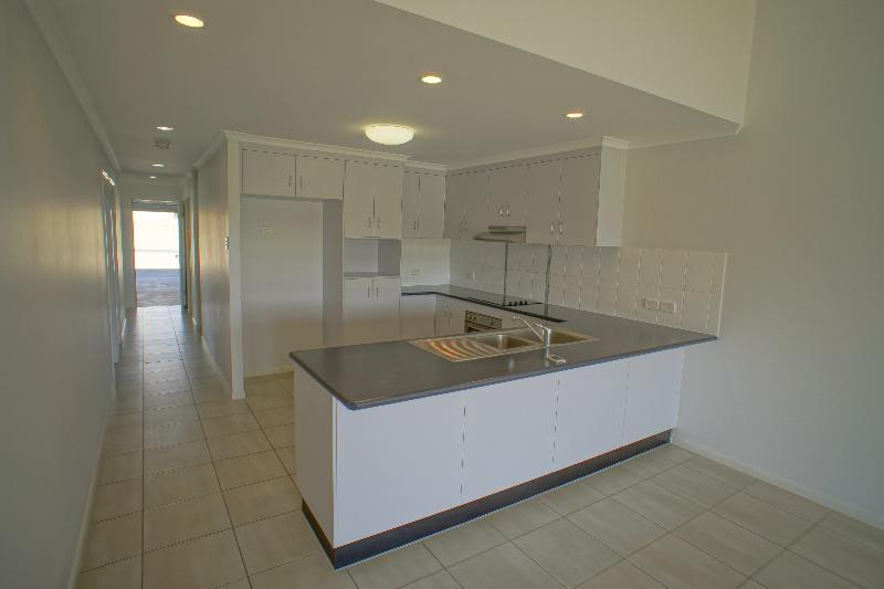 Property For Rent 2/11 Collins Court Eimeo QLD 4740 4