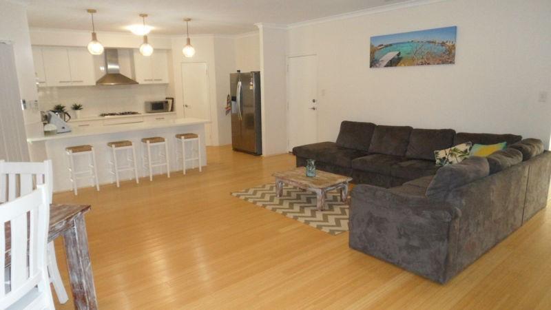 Property For Sale 14 Coastside Crescent Glenfield WA 6532 2