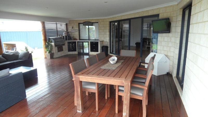 Property For Sale 14 Coastside Crescent Glenfield WA 6532 7