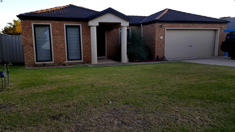 Property For Sold 7 Walla Place Glenfield Park NSW 2650 4