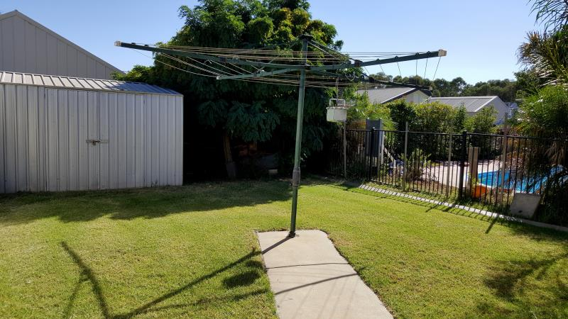 Property For Sold 7 Walla Place Glenfield Park NSW 2650 12