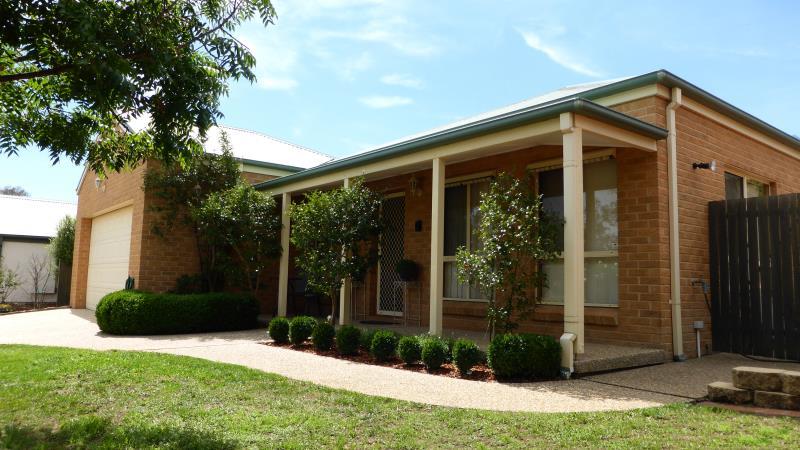Property For Sold 4 Alder Close Jerrabomberra NSW 2619 1