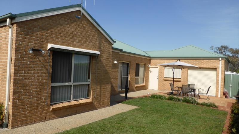 Property For Sold 4 Alder Close Jerrabomberra NSW 2619 7