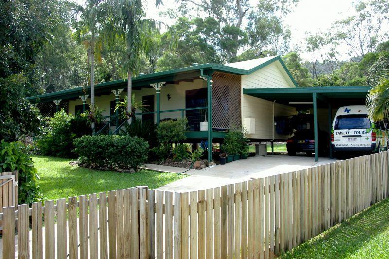 16 Kingfisher Tce Jubilee Pocket QLD 4802