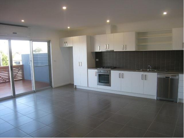 2/150 Middle Street Hadfield VIC 3046