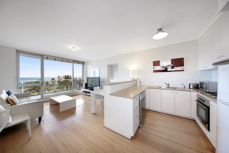 Property For Sale 21/4 Alfred Sq St Kilda VIC 3182 4