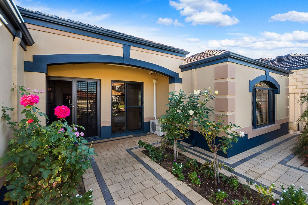 Property For Sold 60 Zlinya Circle Spearwood WA 6163 2