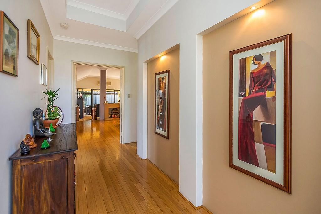 Property For Sold 60 Zlinya Circle Spearwood WA 6163 3