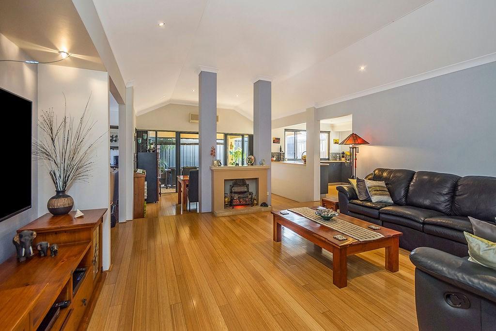 Property For Sold 60 Zlinya Circle Spearwood WA 6163 4