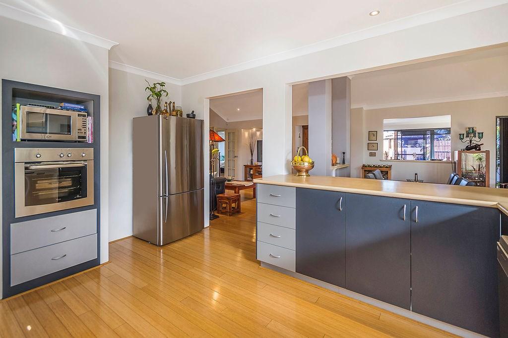 Property For Sold 60 Zlinya Circle Spearwood WA 6163 9