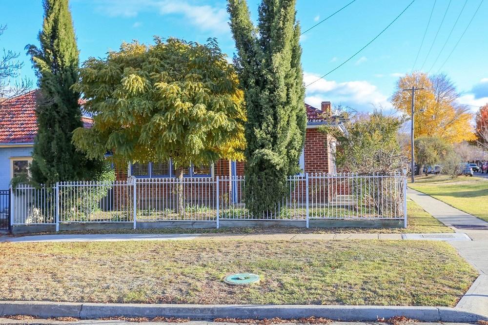 80 Piper St Bathurst NSW 2795