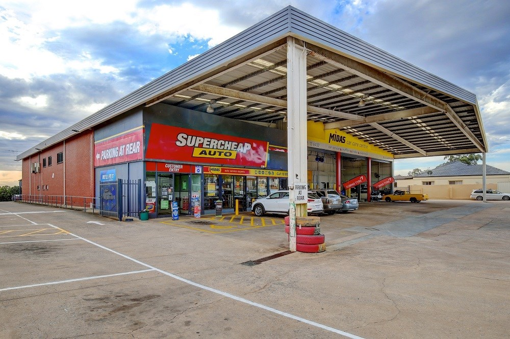 Private Commercial For Lease 450-452 Bridge Road Para Hills West SA 5096