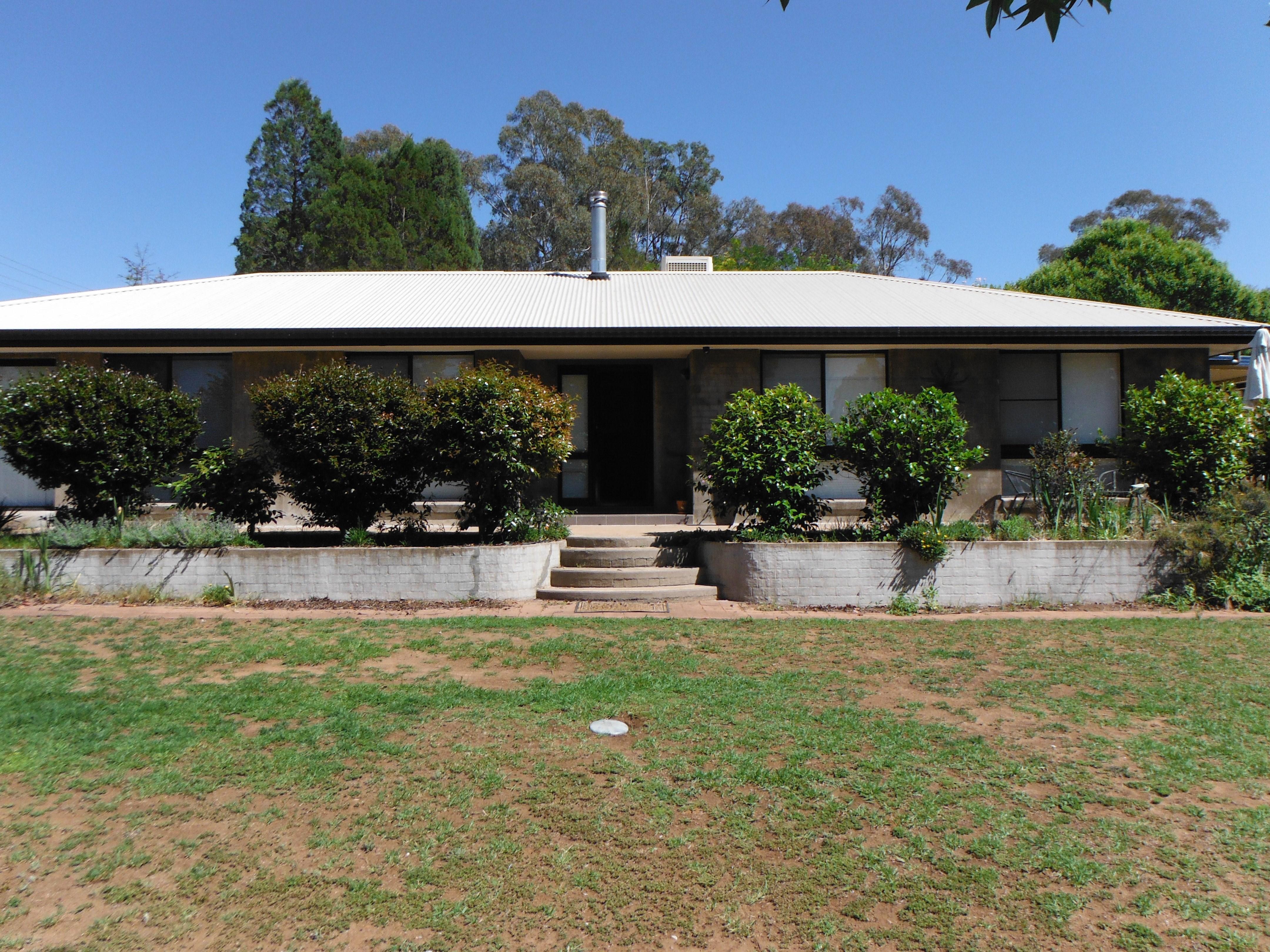 3 Hilton Place Coonabarabran NSW 2357