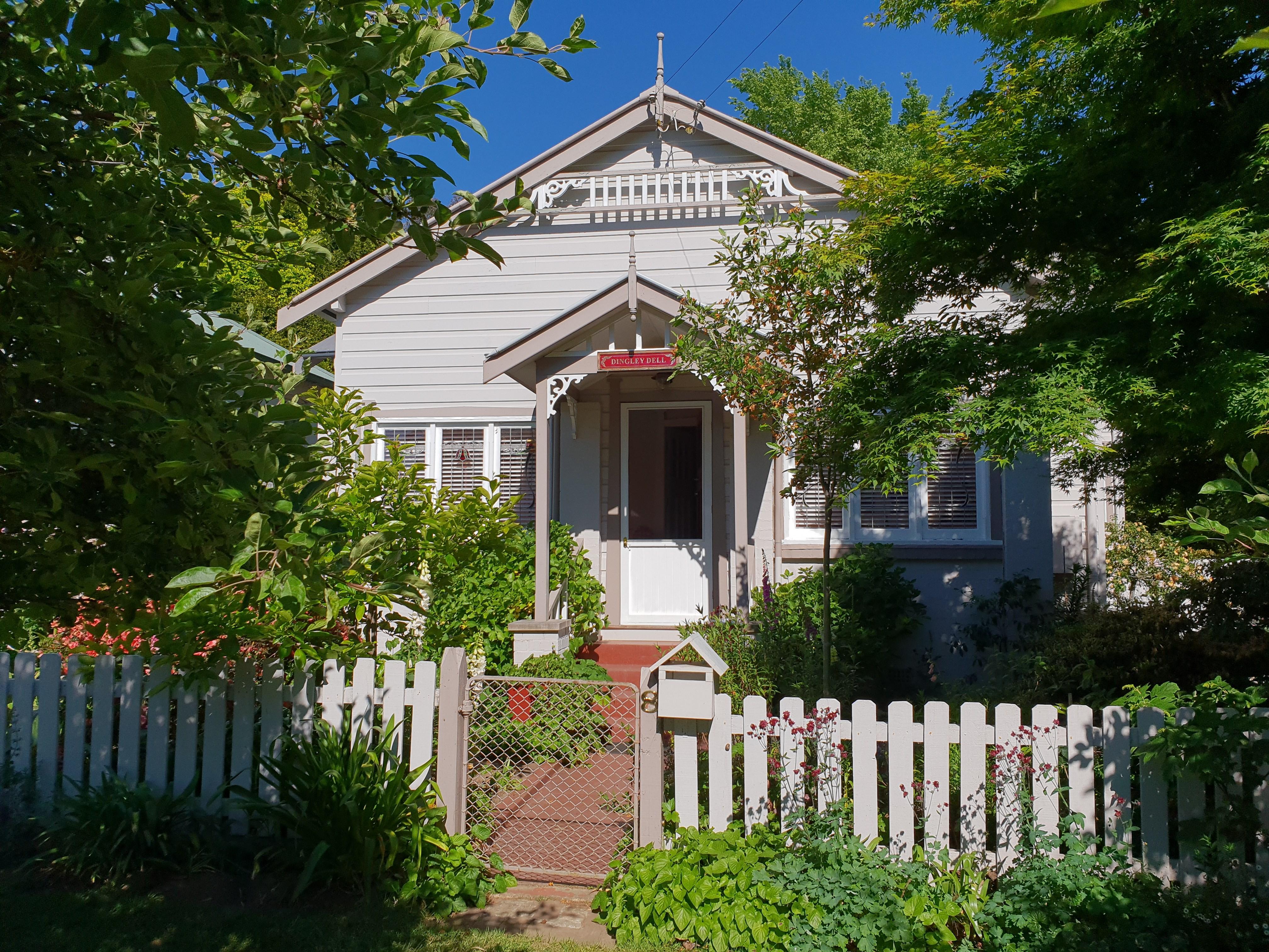 8 Clarence Street Katoomba NSW 2780