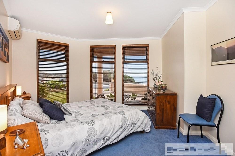 Property For Sold 72 Esplanade Christies Beach SA 5165 3