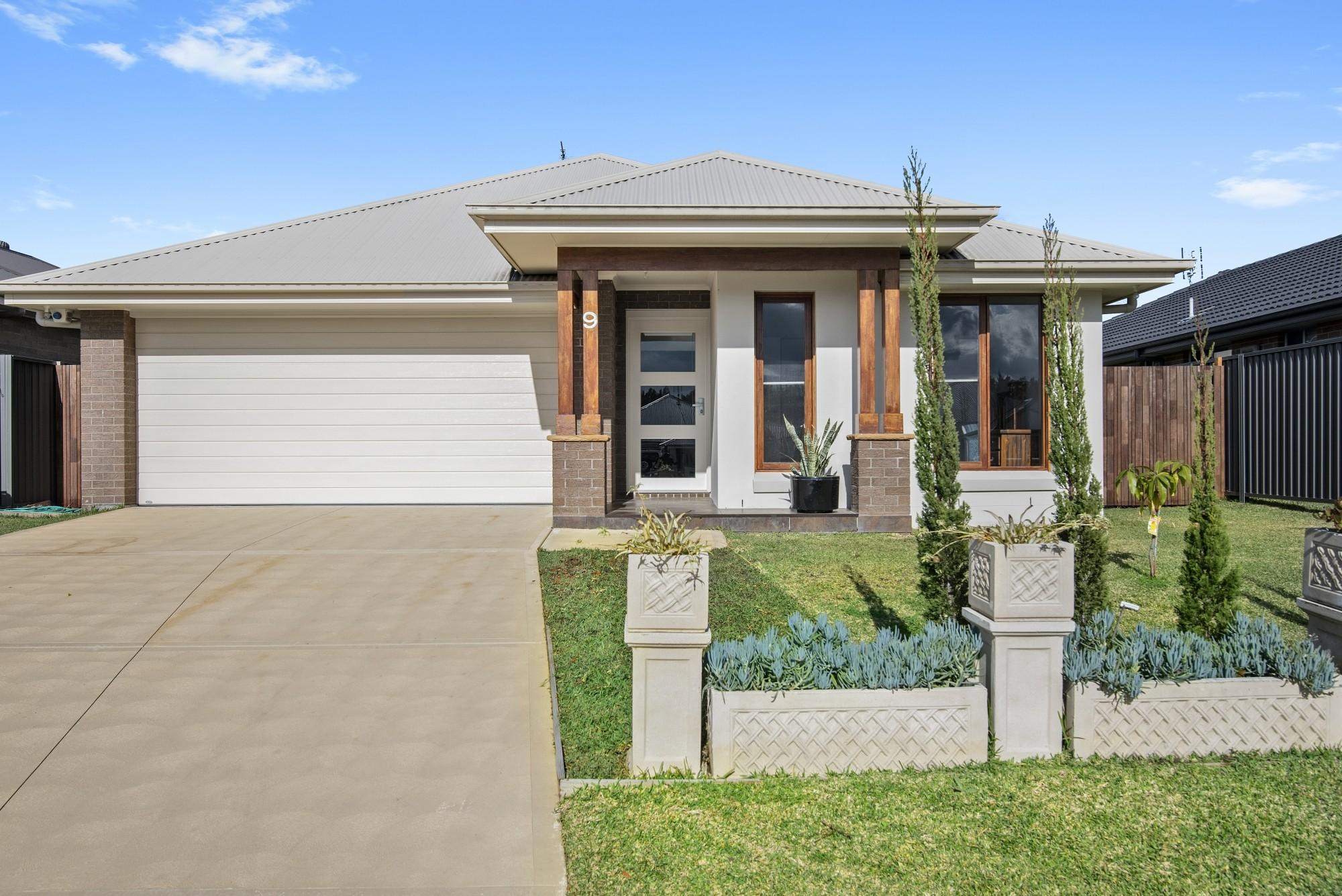 9 Fairmont Boulevard Hamlyn Terrace NSW 2259