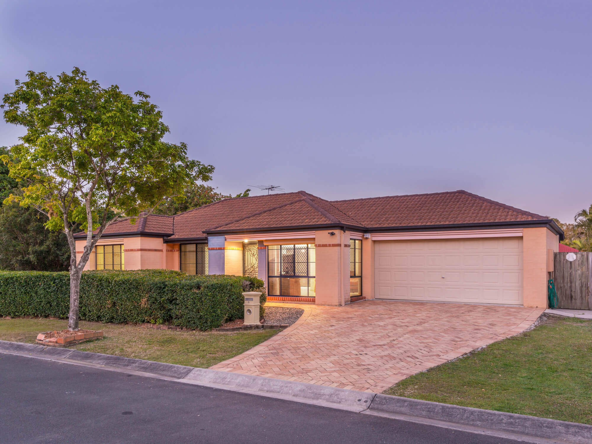 6 Accolade Place Carseldine QLD 4034