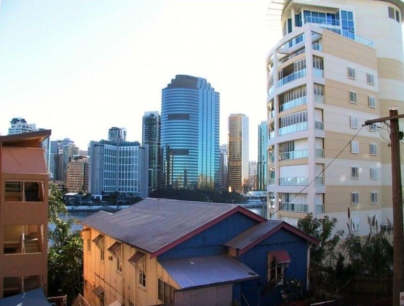 101/355 Main Street Kangaroo Point QLD 4169