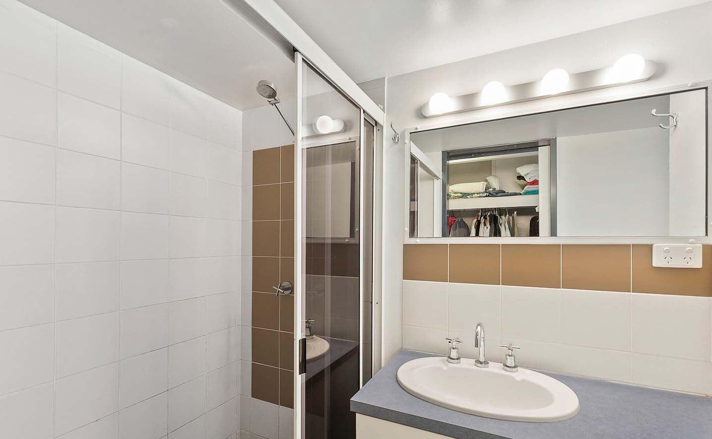 Property For Sale 9/383 Esplanade Torquay QLD 4655 8
