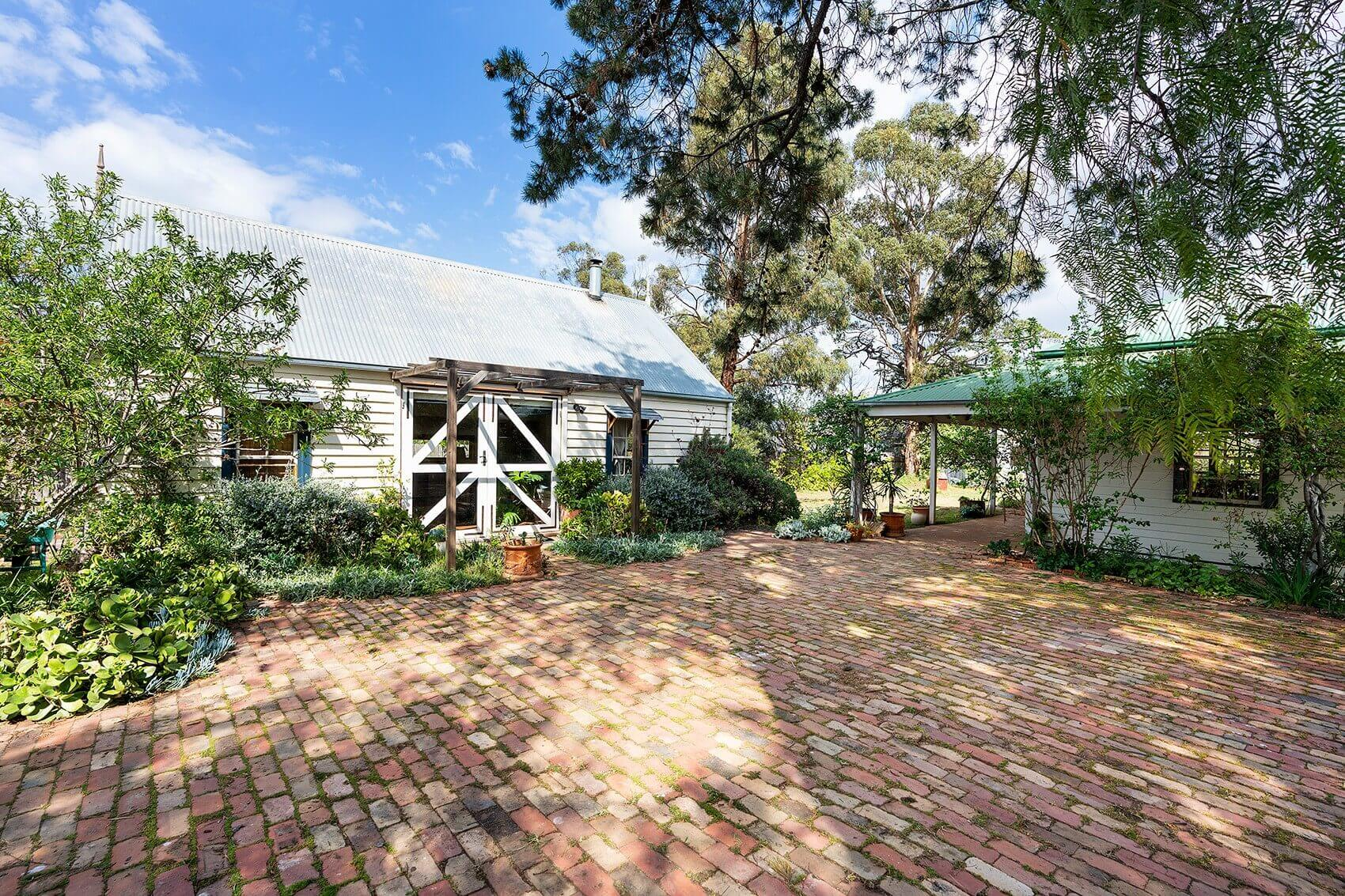 Property For Sale 10 Britton Street Castlemaine VIC 3450 2