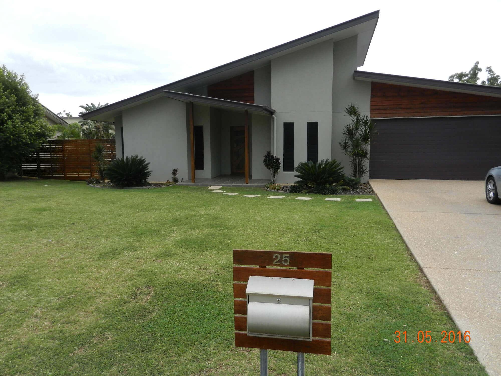 25 Langford Court Moranbah QLD 4744
