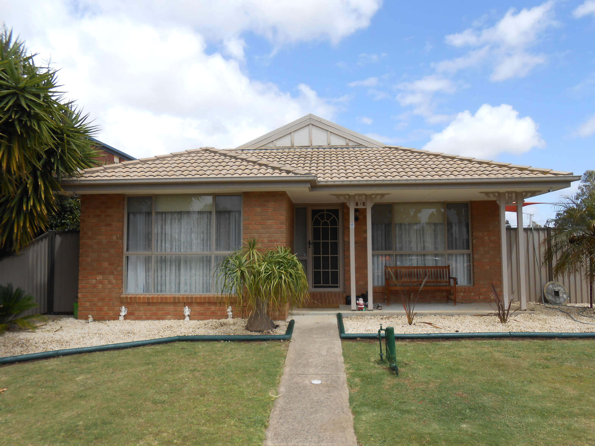 17 Murray Walk Roxburgh Park VIC 3064