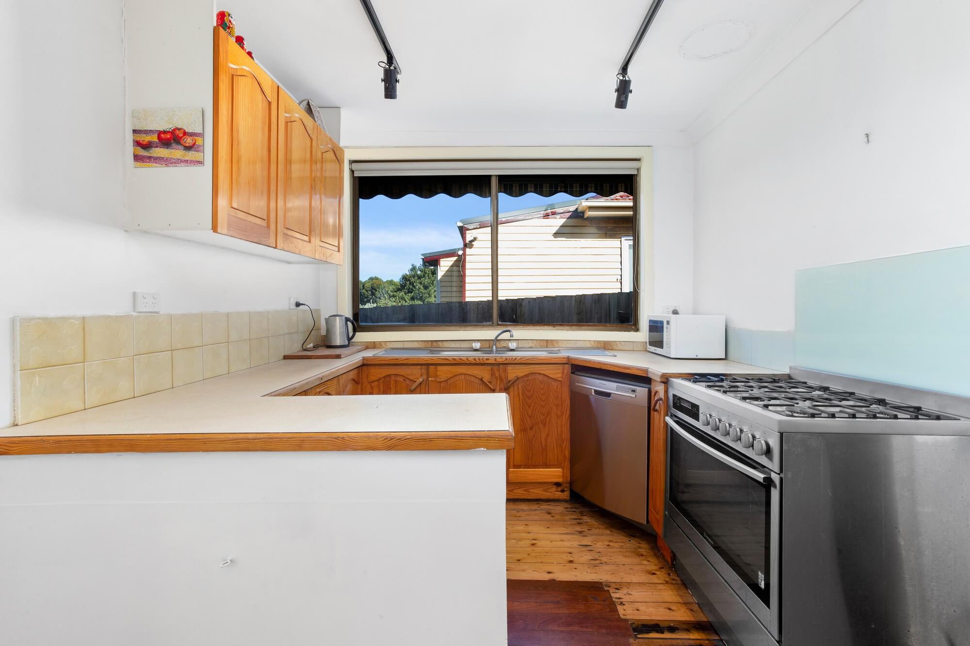 Property For Sold 19 Fraser Street Sunshine VIC 3020 9