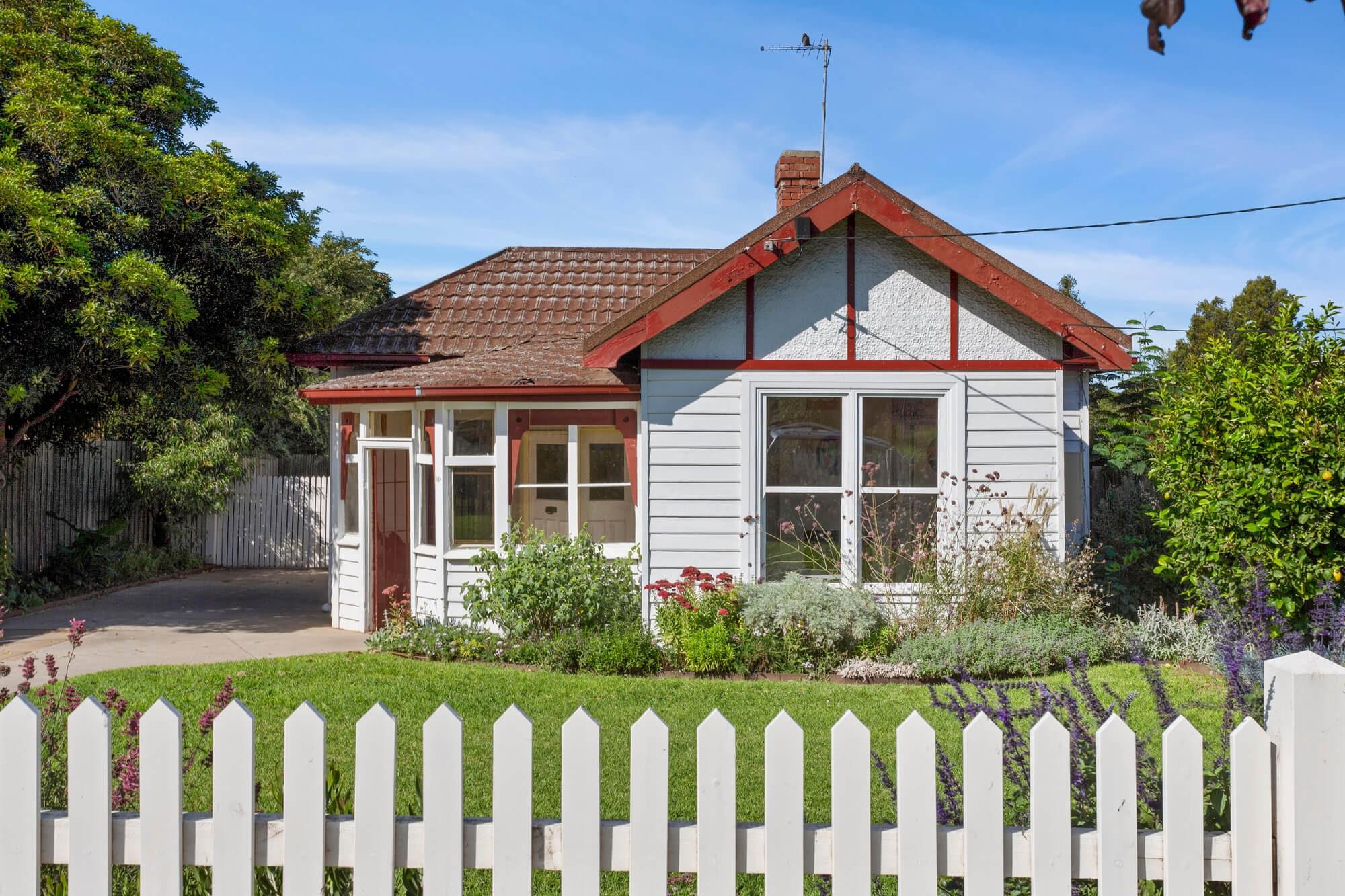 Property For Sold 19 Fraser Street Sunshine VIC 3020 1