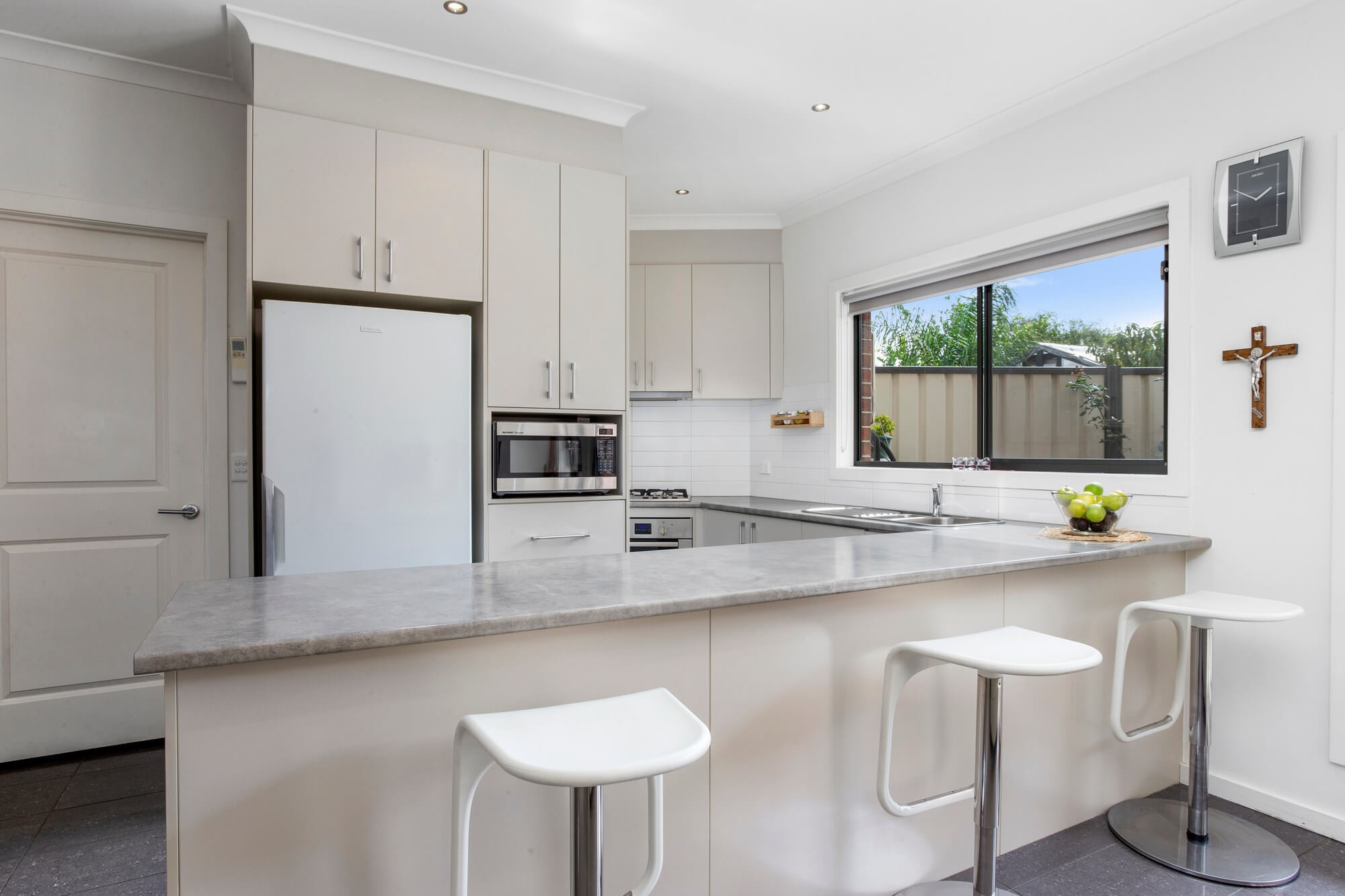Property For Sale 2/4 Kerry Court St Albans VIC 3021 6