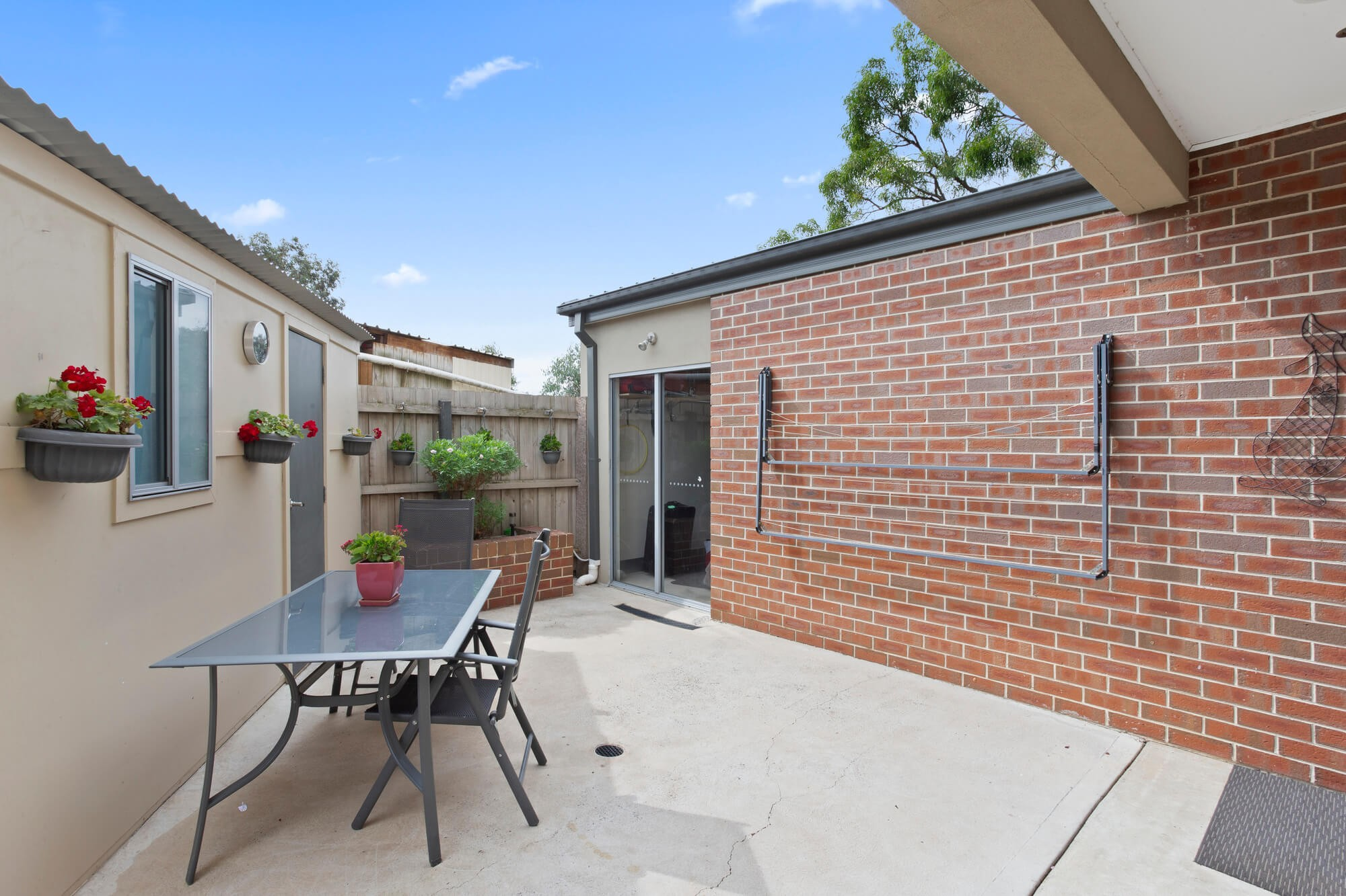 Property For Sale 2/4 Kerry Court St Albans VIC 3021 3