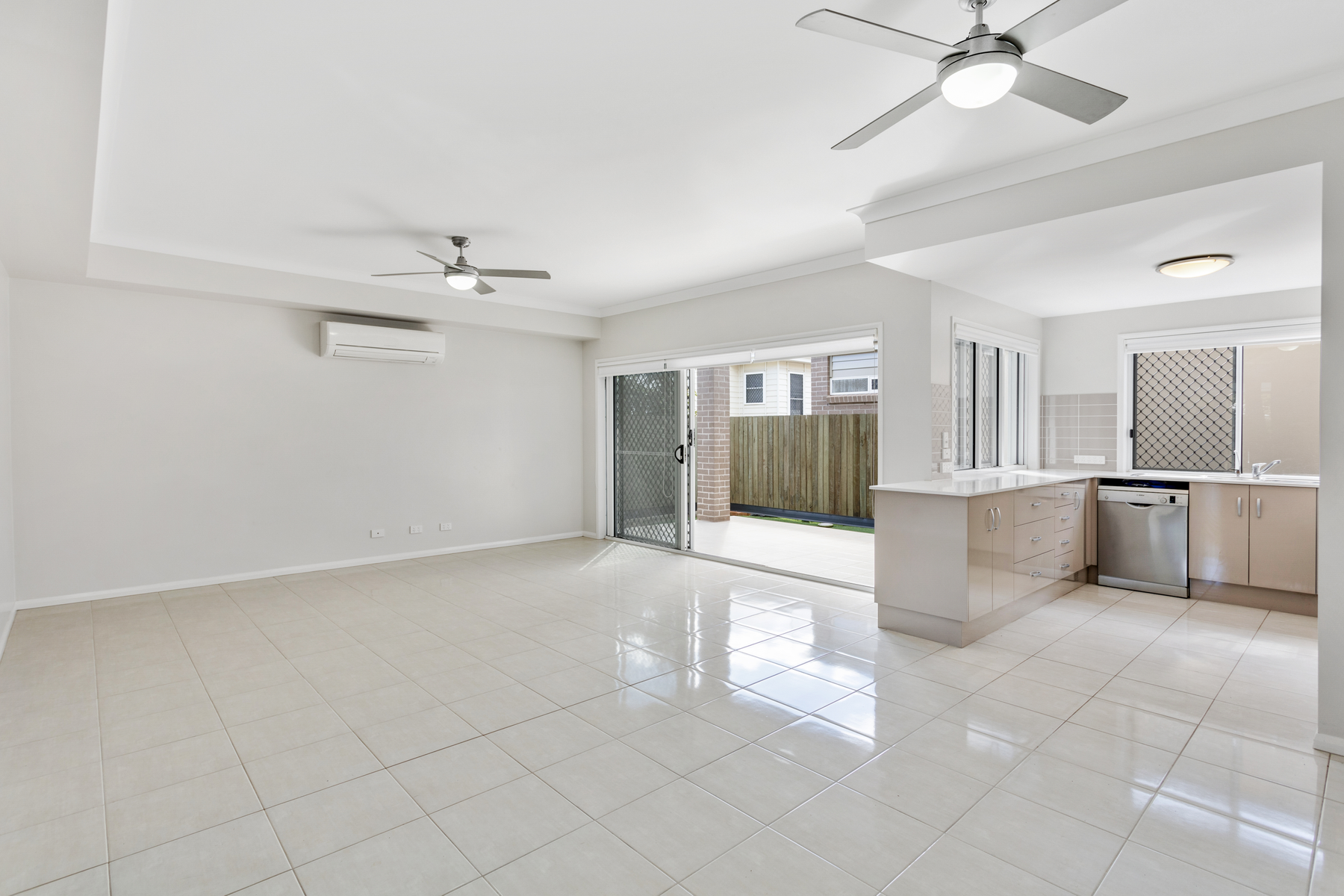 Property For Sale 1/19 Crown Street Rangeville QLD 4350 2