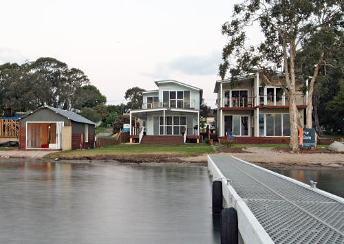 Property For Sale Lake Macquarie 2284 NSW 4