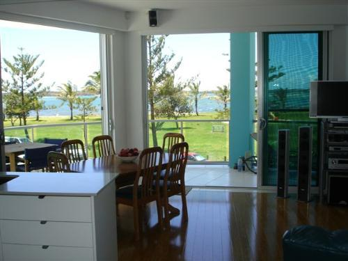 Property For Sold 3/10 Oatland Esplanade Runaway Bay QLD 4216 7