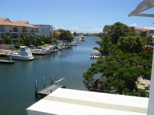 Property For Sold 3/10 Oatland Esplanade Runaway Bay QLD 4216 11