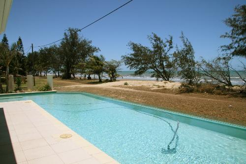 Property For Sale Saunders Beach 4818 QLD 2