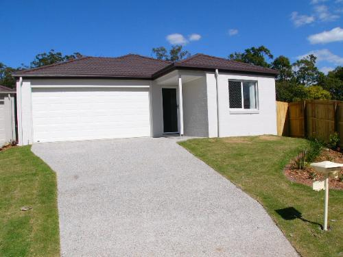 Property For Sold Wakerley 4154 QLD 1