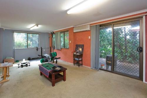 Property For Sale Oxley 4075 QLD 3
